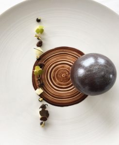 Restaurant-l'Océan-chocolat-sphere-Saint-Jean-de-Luz
